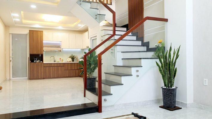 Dịch vụ vệ sinh nhà Thuận An